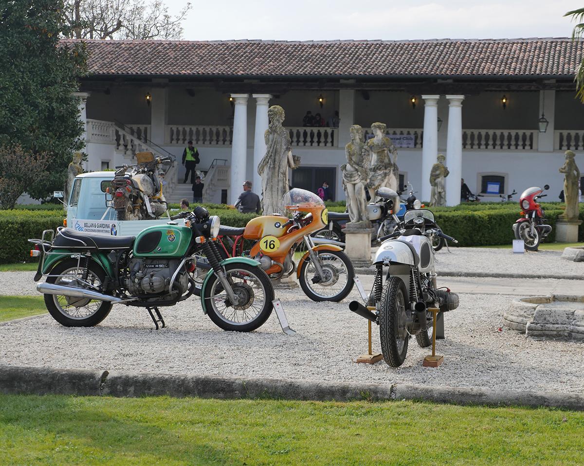 villa con porticato, villa con loggia, villa eventi all'aperto, organizzazione eventi Vicenza, location eventi Vicenza, villa eventi Vicenza, villa eventi Padova