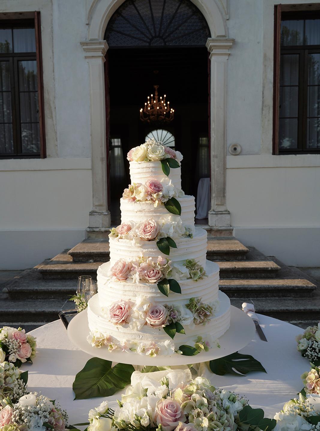 Sala ricevimento matrimonio, feste di matrimonio Vicenza, feste di matrimonio Padova, location con giardino esterno Vicenza , Villa per ricevimenti